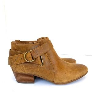 Clark's Leather Ankle Bootie
